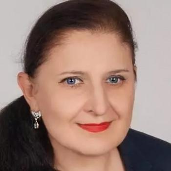 Opiekunka Ewa S.:  Uprawiam sport i lubię czynny . Warszawa